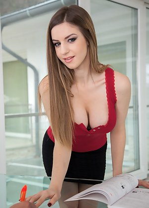Sexy Teen Secretary Porn Pictures